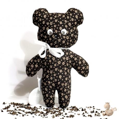 Pohankový medvídek hnědý květ
